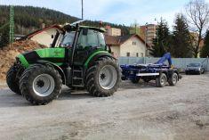 Traktor DEUTZ-FAHR Agrotron TTV-1130 snosičem kontejnerů